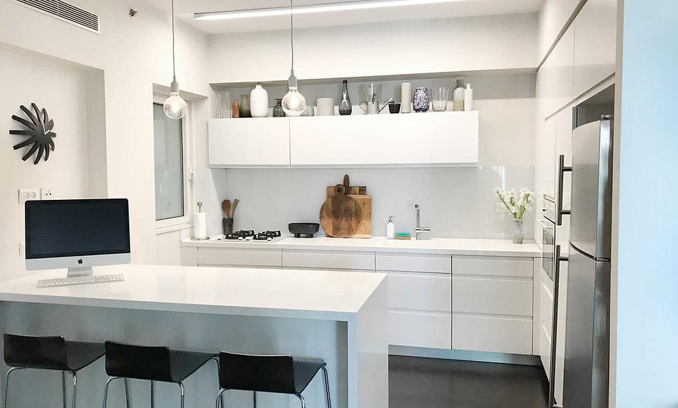 למכירה דירת 4 חדרים במגדלי תל אביב