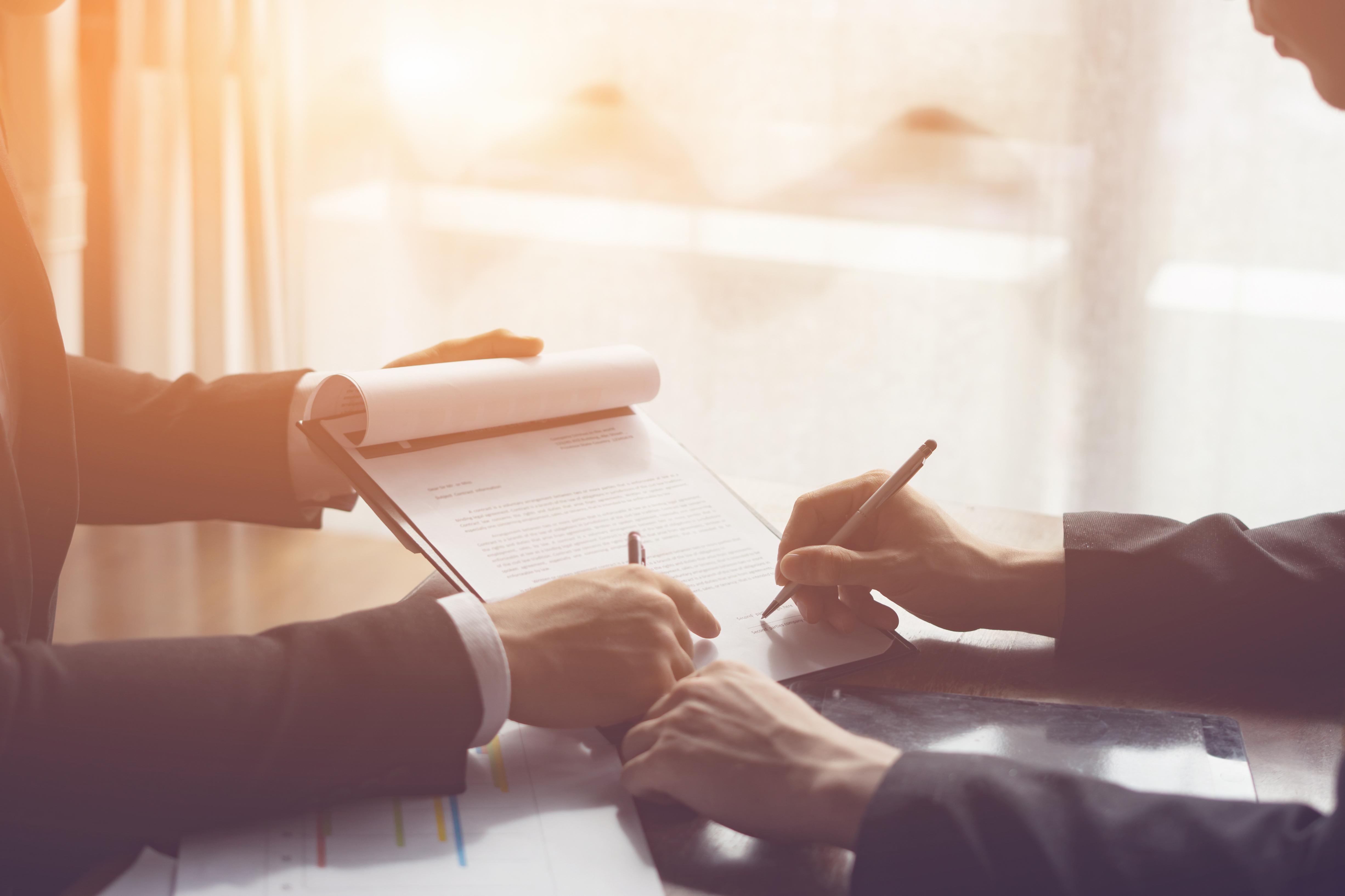מתמחים בפשיטות רגל לעסקים ופרטי