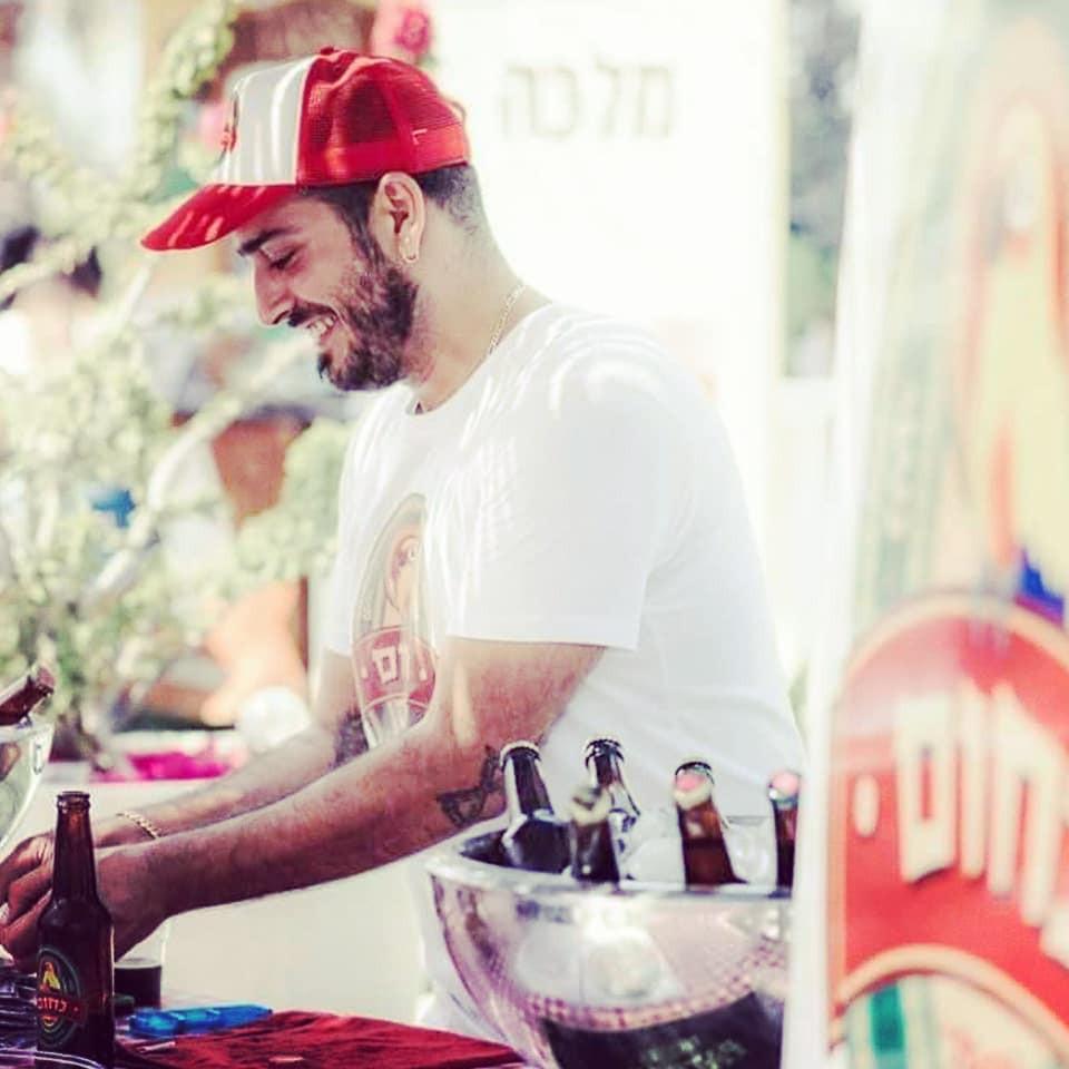 נחום מציג את נחום באחד מפסטיבלי הבירה