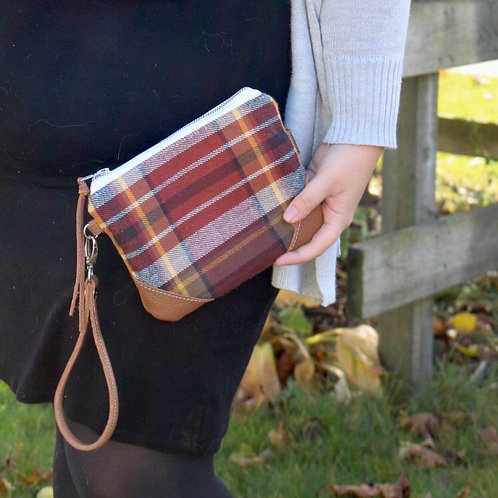 The Cleo Wristlet in Autumn Plaid