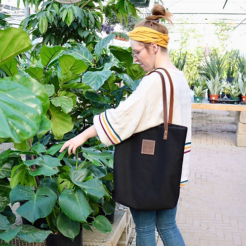 The Everyday Tote: Noir