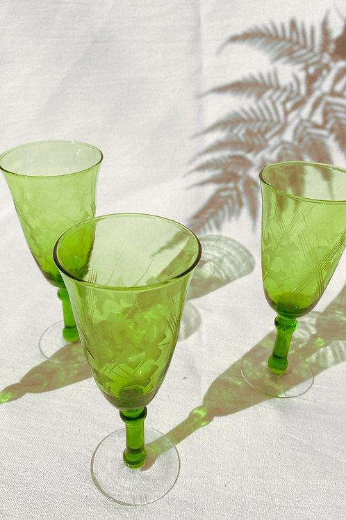 Copa tallada verde