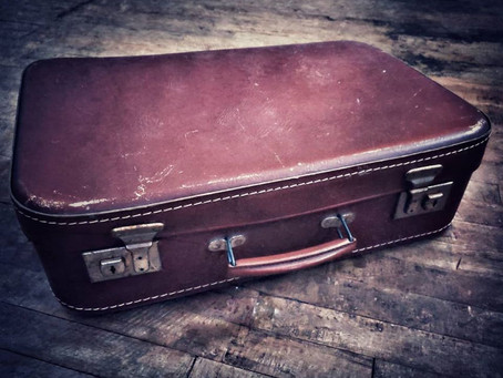 Saturday Writing Prompt - Suitcase 21st December
