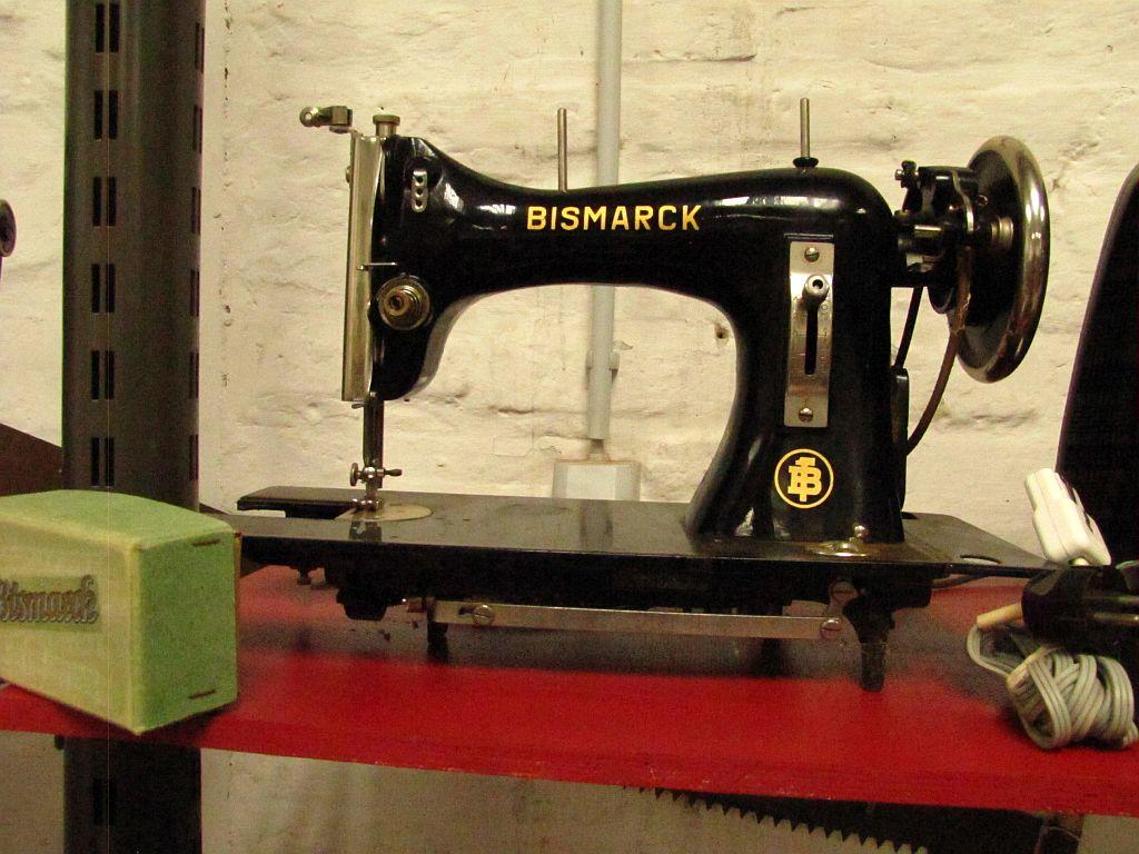 Bismark_Nähmaschine_S