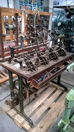 Schiffchen-Spulmaschine