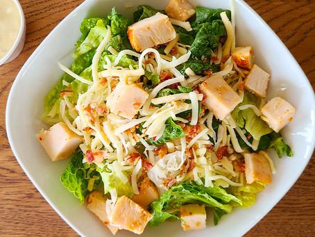 Salada Atemporal. Uma releitura da tradicional Caesar Salad