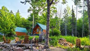 Nossa experiência em uma cabana de madeira no meio da floresta de Cape Breton
