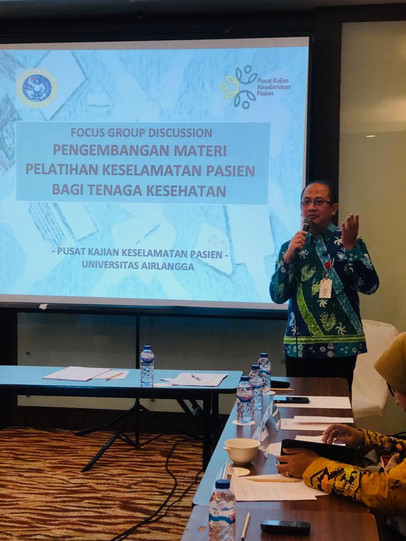 Vice Head of the Center for Patient Safety Research-Universitas Airlangga gave welcome remarks and introduction to the FGD's agenda