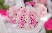 Bridal-bouquet-pink-roses_m.webp
