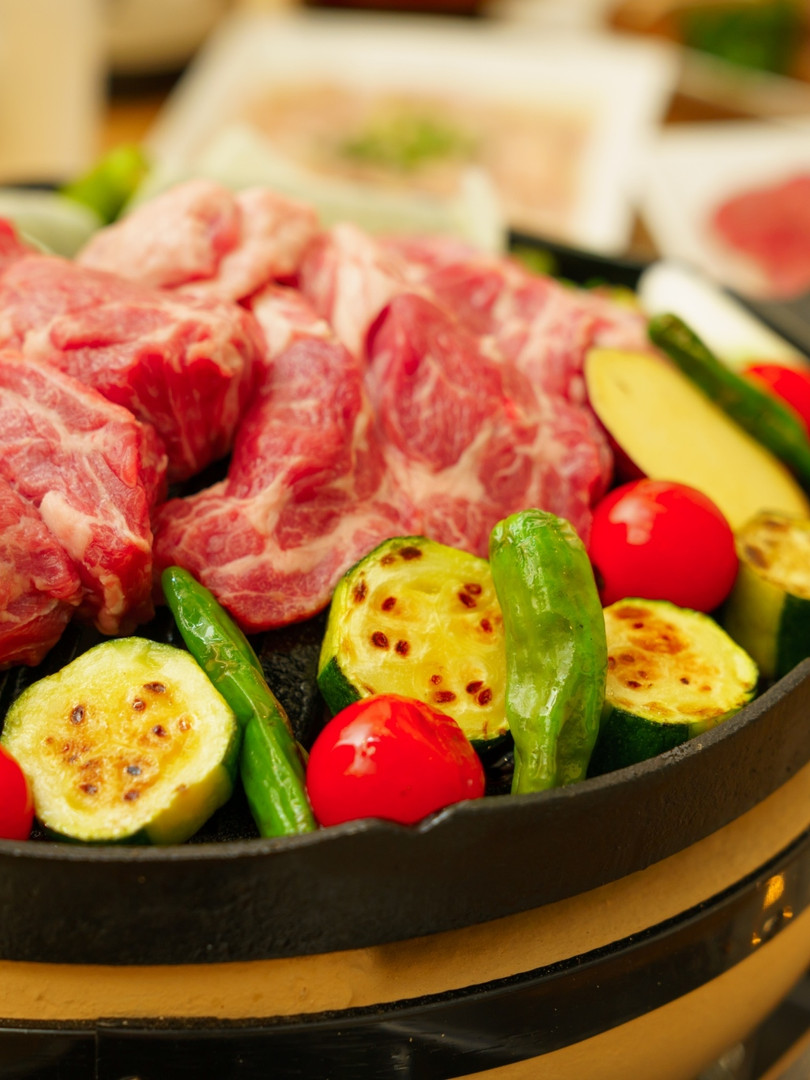 六花の札幌ジンギスカンは旬の地物野菜と共に