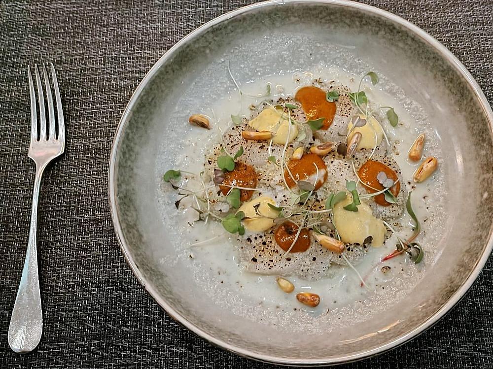 Tiradito de Conchas Anticucheras l'innovativo piatto creato da chef Emilio