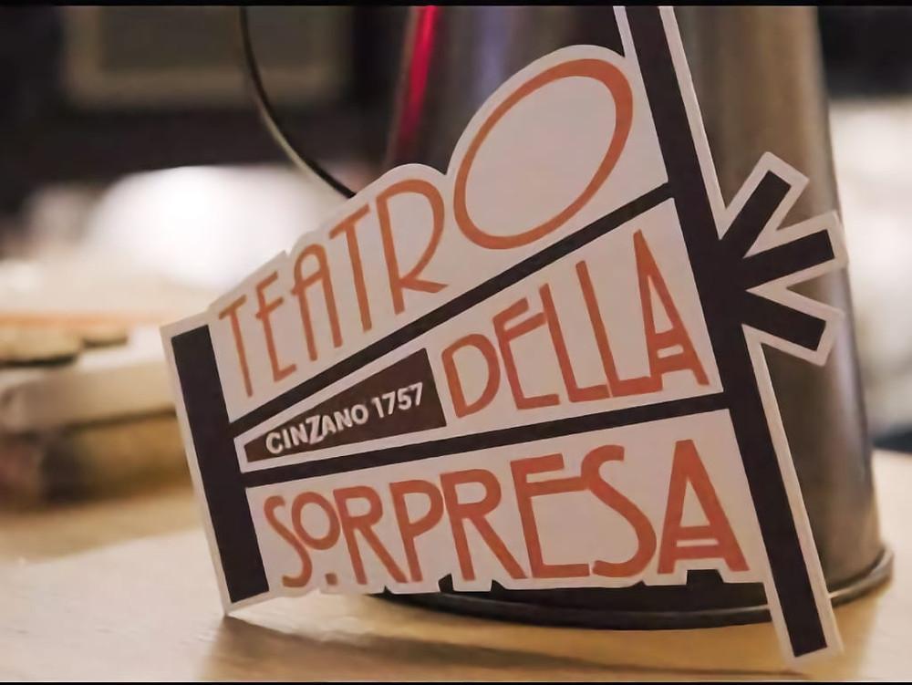 Il logo del Teatro della sorpresa
