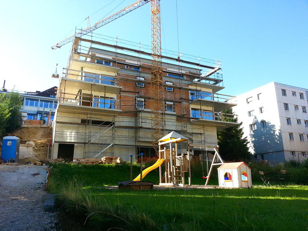 Pose de l'isolation périphérique sur les façades