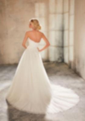 vestido de novia línea A y escote corazón