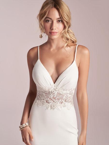 traje boda sencillo sexy