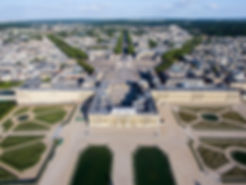 1280px-Vue_aérienne_du_domaine_de_Versai