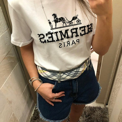 T-shirt com lenço