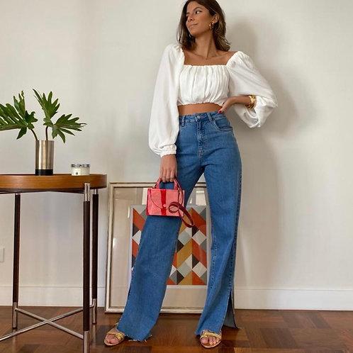 Calça Jeans com Fenda