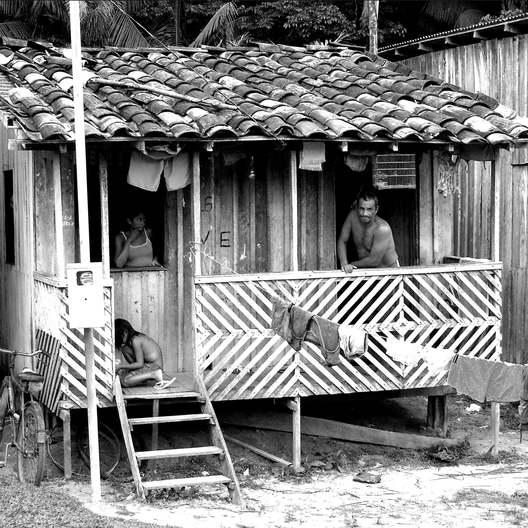 CASA_E_FAMÍLIA_QUILOMBOLA_COMUNIDADE_QUILOMBOLA_FILIPA_-_ITAPECURU_MIRIM_-_MARANHÃO_2010_RSA