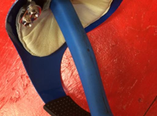 Fencing Newbie: How do I hold a sabre?