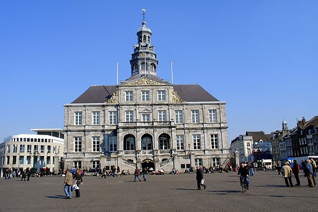 Maastricht-City-Hall.jpg