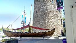 Viking_longship,_Waterford.jpg