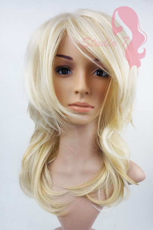 W137 Bleached Blonde Mid Length Choppy Layers