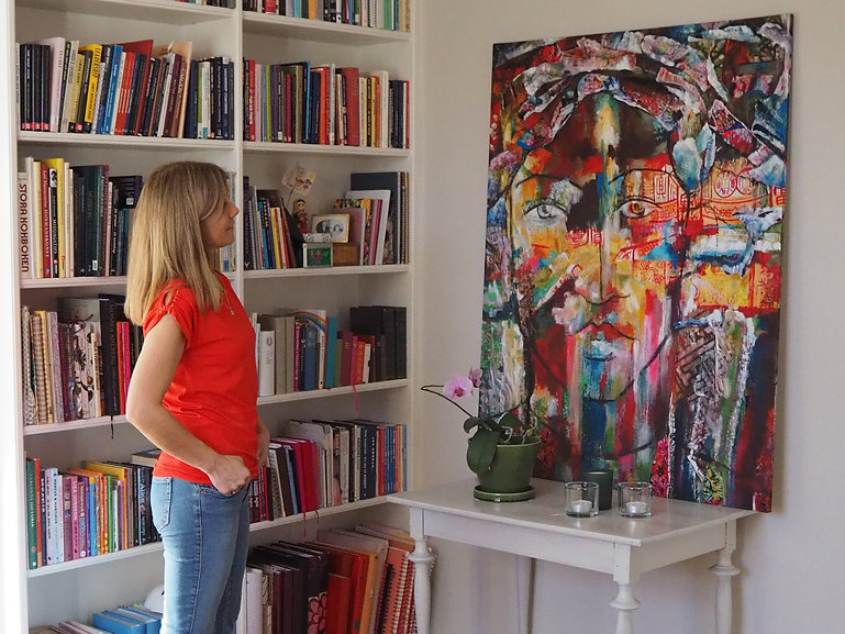 Globetrotter in Swedish home