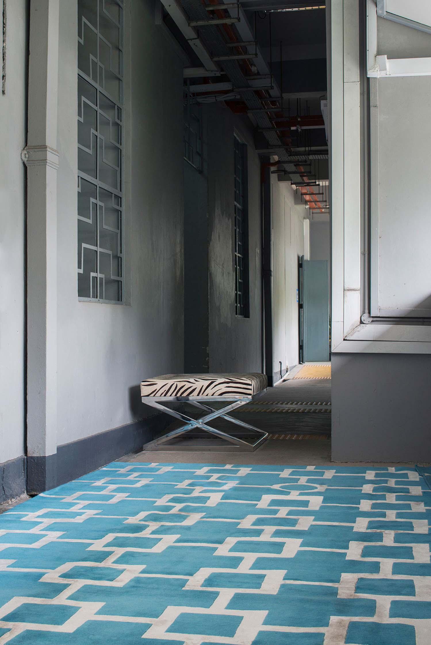 Red carpet square blue
