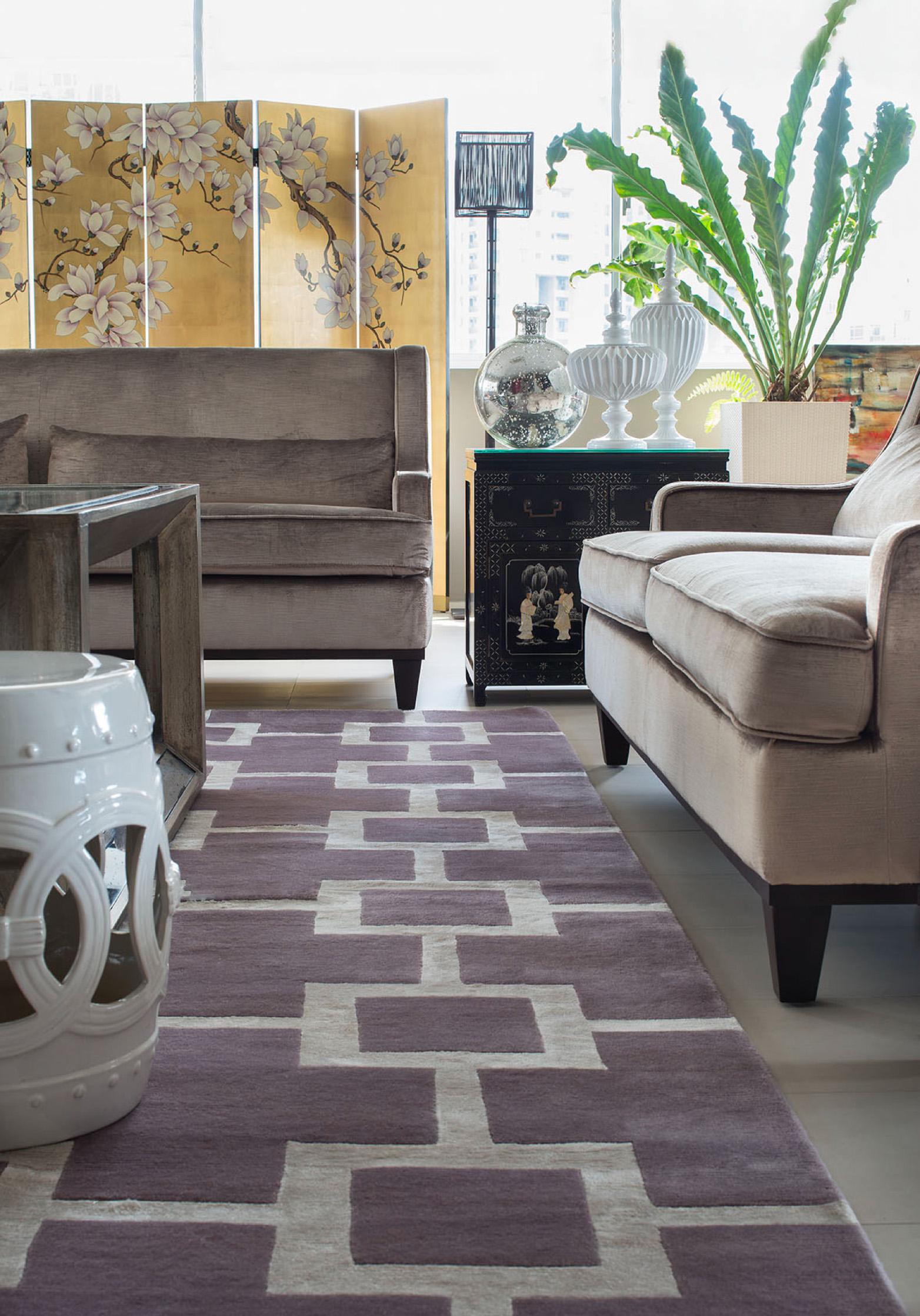 Red Carpet detail taupe