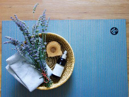 Eco-friendly Yoga Mat Cleaner (DIY)
