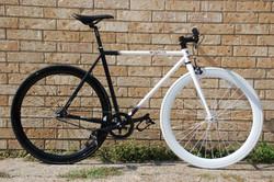Purefix cycles White Black.JPG