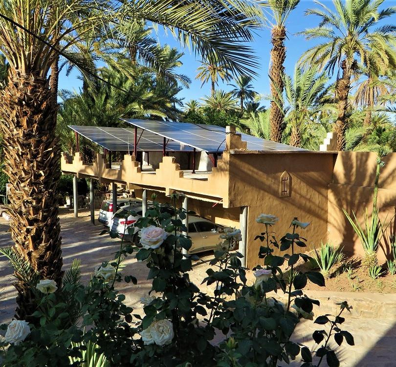 Alimentation électrique par 36 panneaux solaires