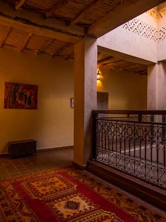 Un patio traditionnel de la maison d'hôtes kasbah azul