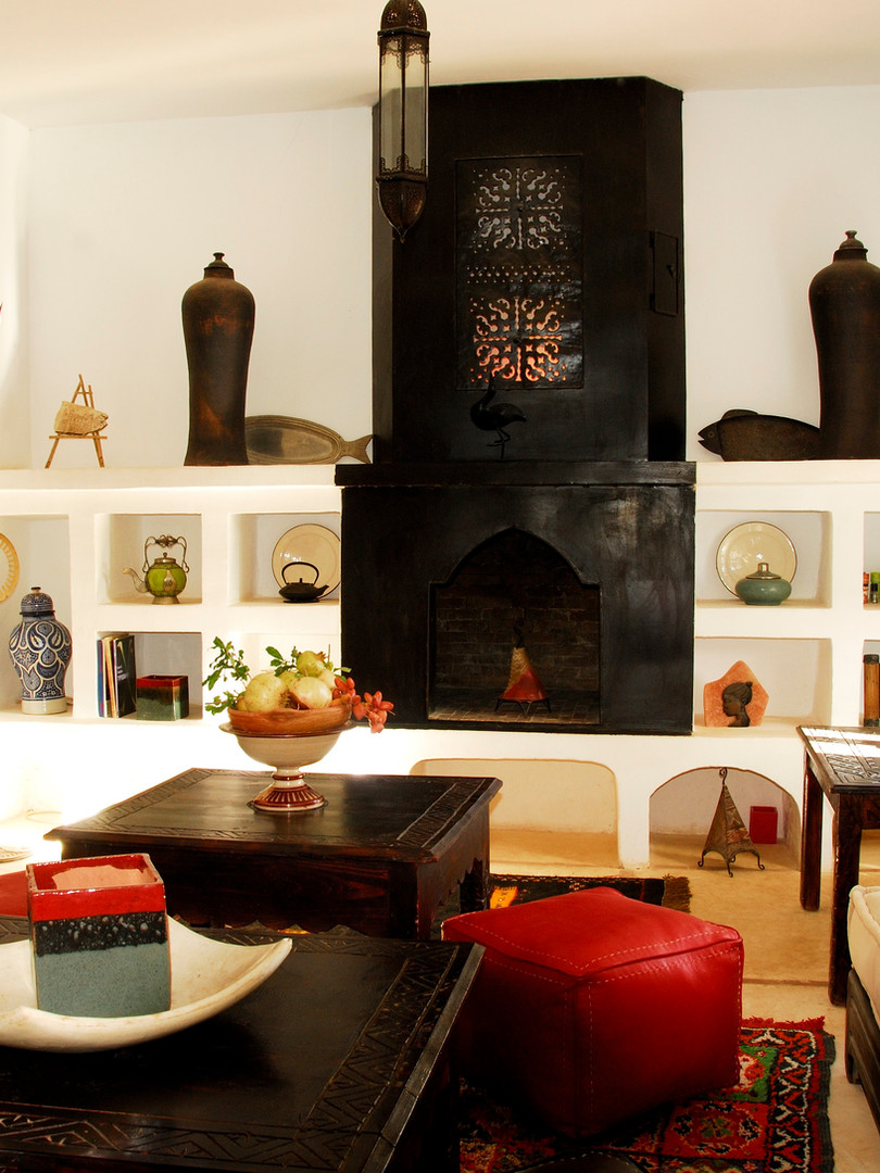 Cozy lounge of Kasbah Azul in the heart of a palm grove