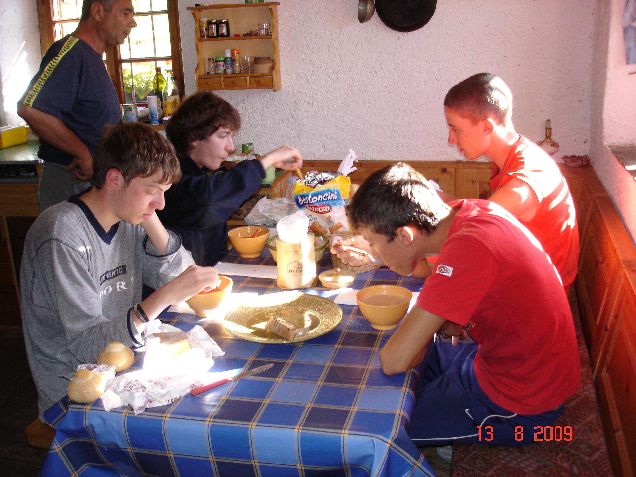 raga_colazione2