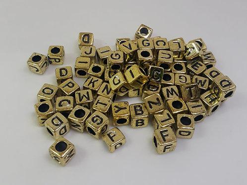 Entremeio com letra dourada com 50 unidades