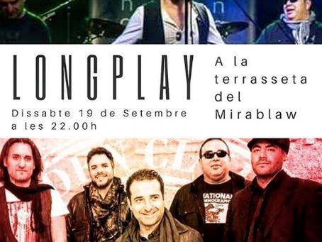 El grup de Lonplay toca al Mirablaw