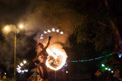 Танец с горящими веерами