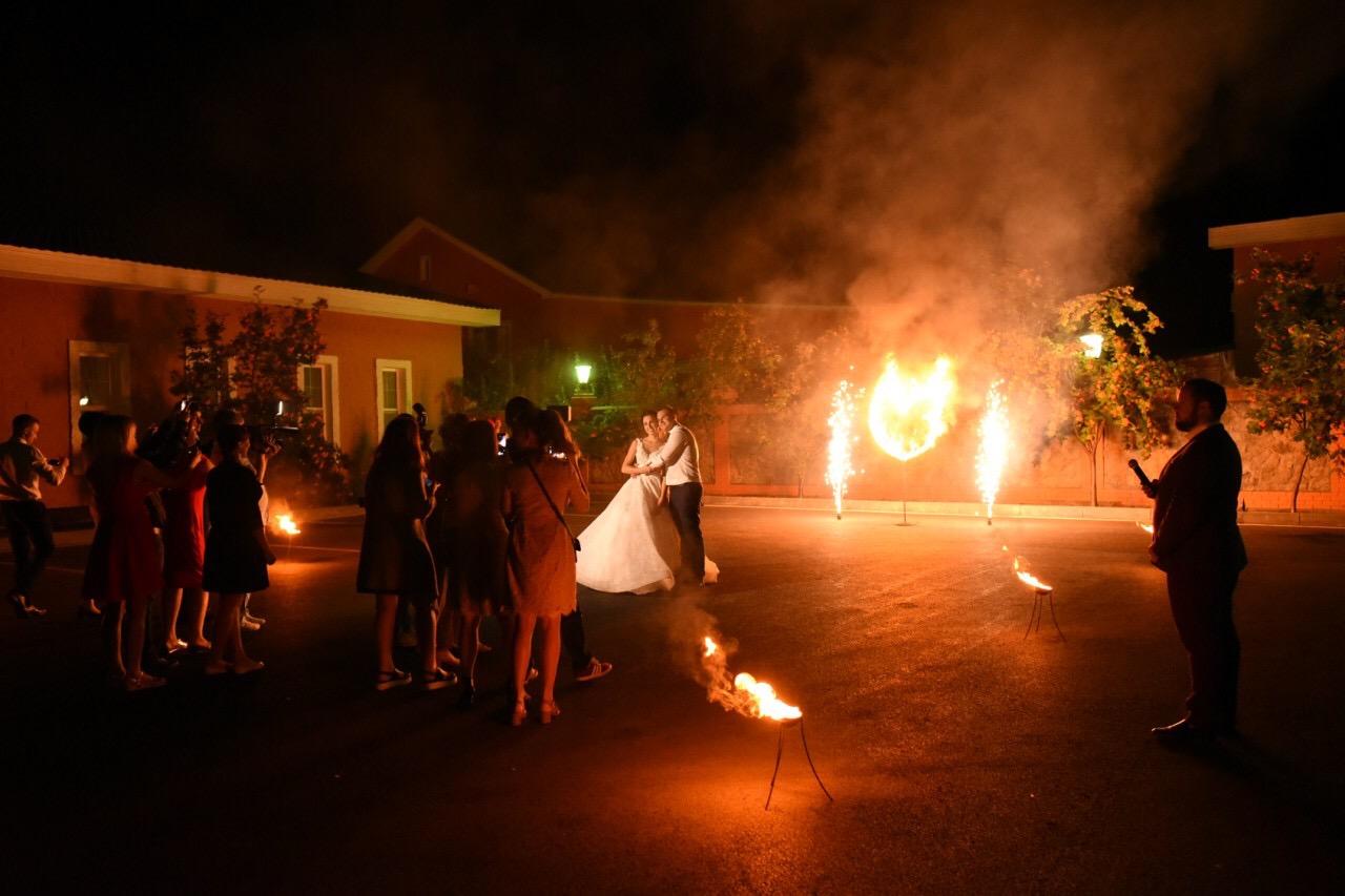 горящее сердце на свадьбу