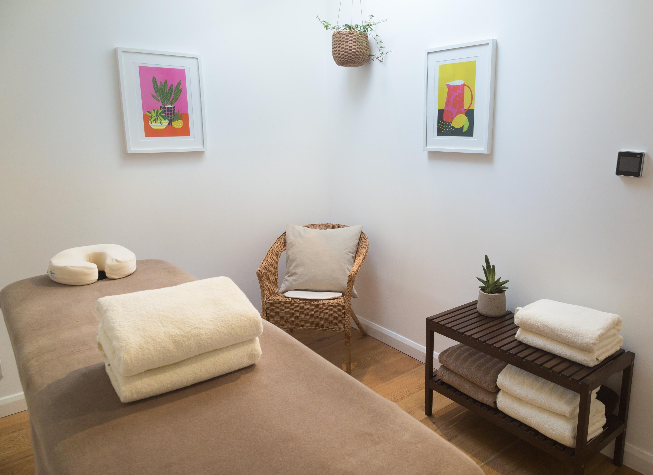 Ayurvedic Full Body Massage- Pinda Sweda