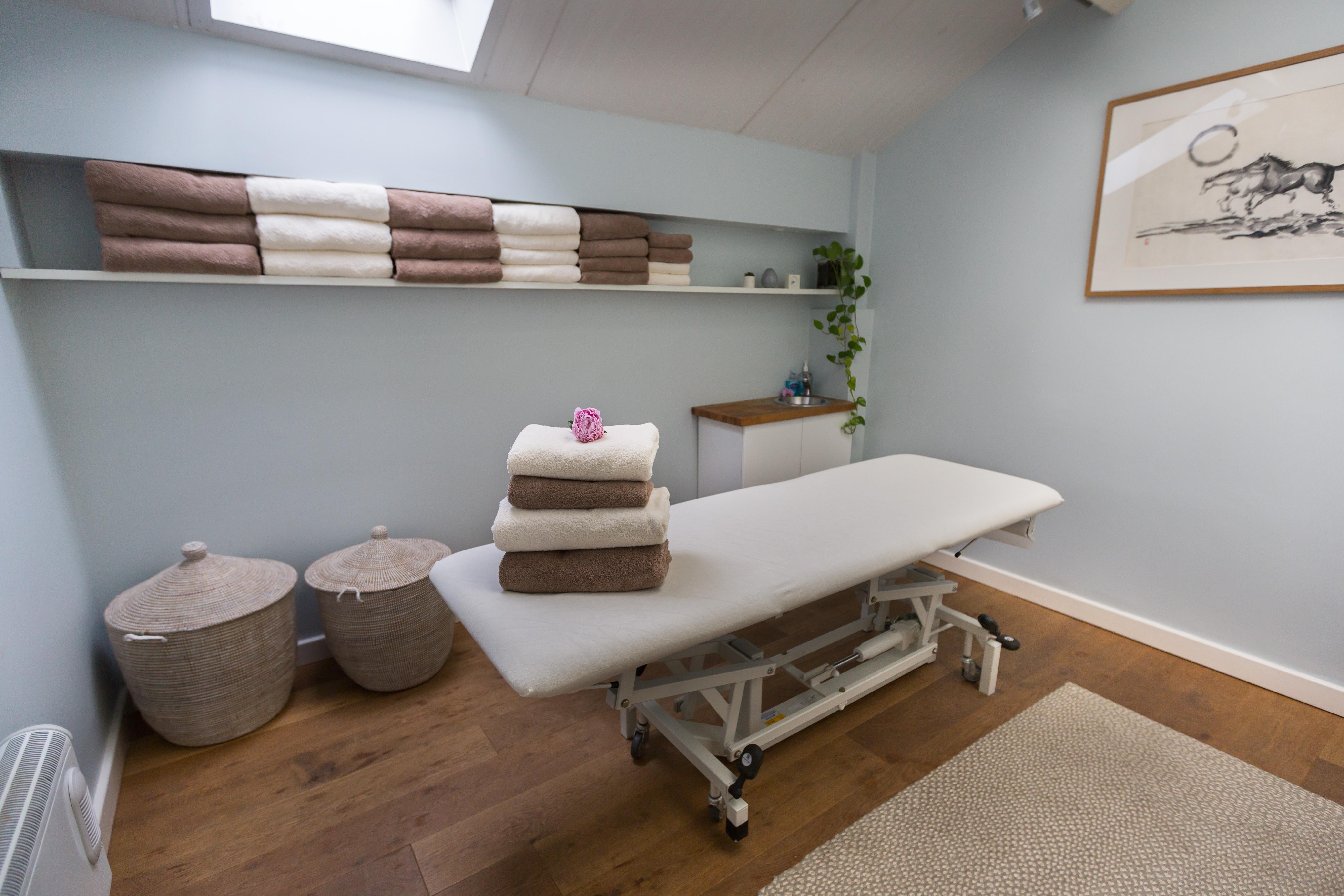 Ayurvedic full body massage 1 hr