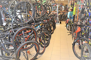 Location de vélos électriques Bergerac, Dordogne (24),  Vziiit location de vélos électrique en Dordogne (24) à Bergerac. Différents modèles de vélos électriques ( VAE ) disponibles à la location pour découvrir la Dordogne à partir de Bergerac.