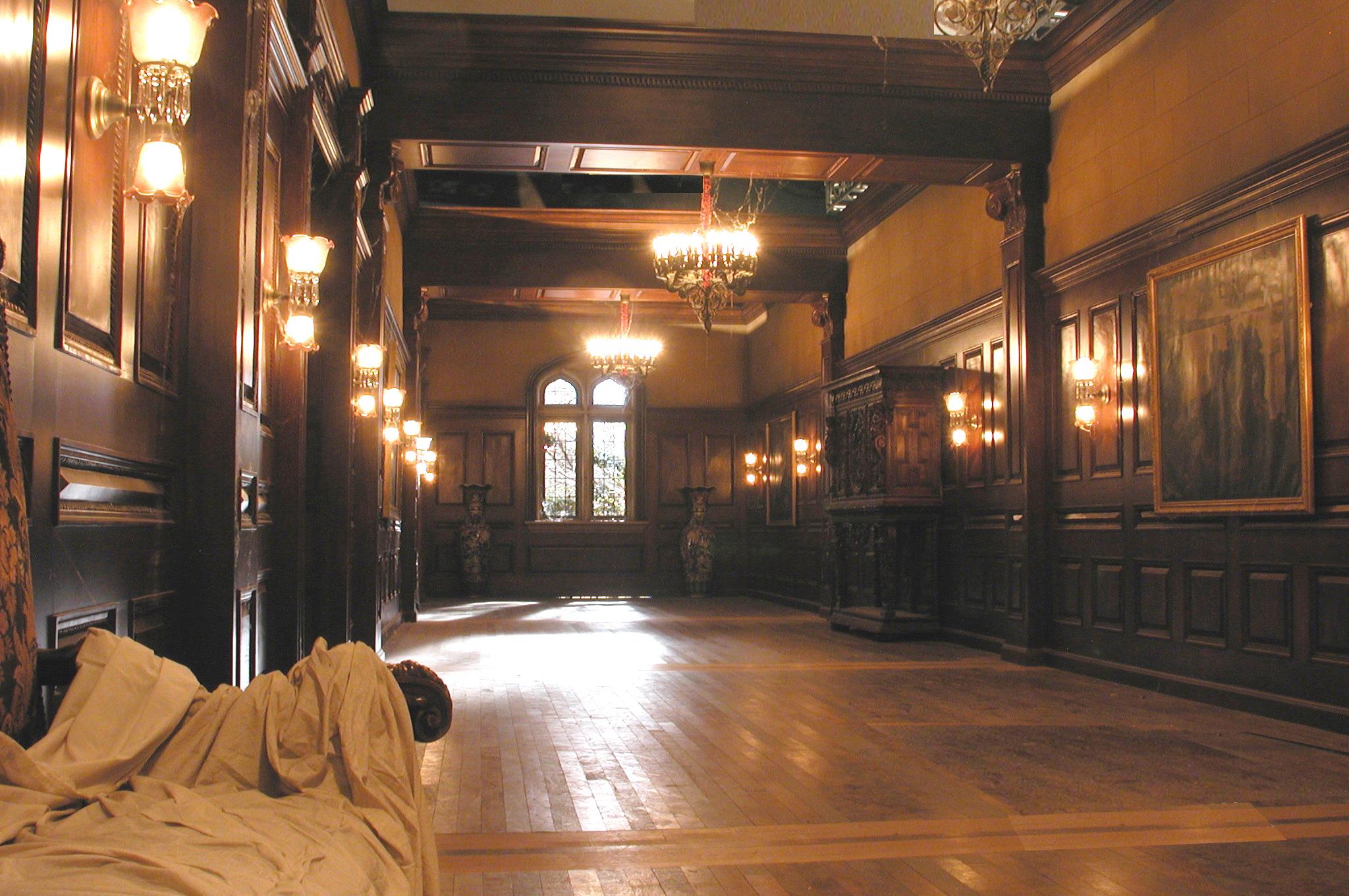 RR Side Hallway_edited