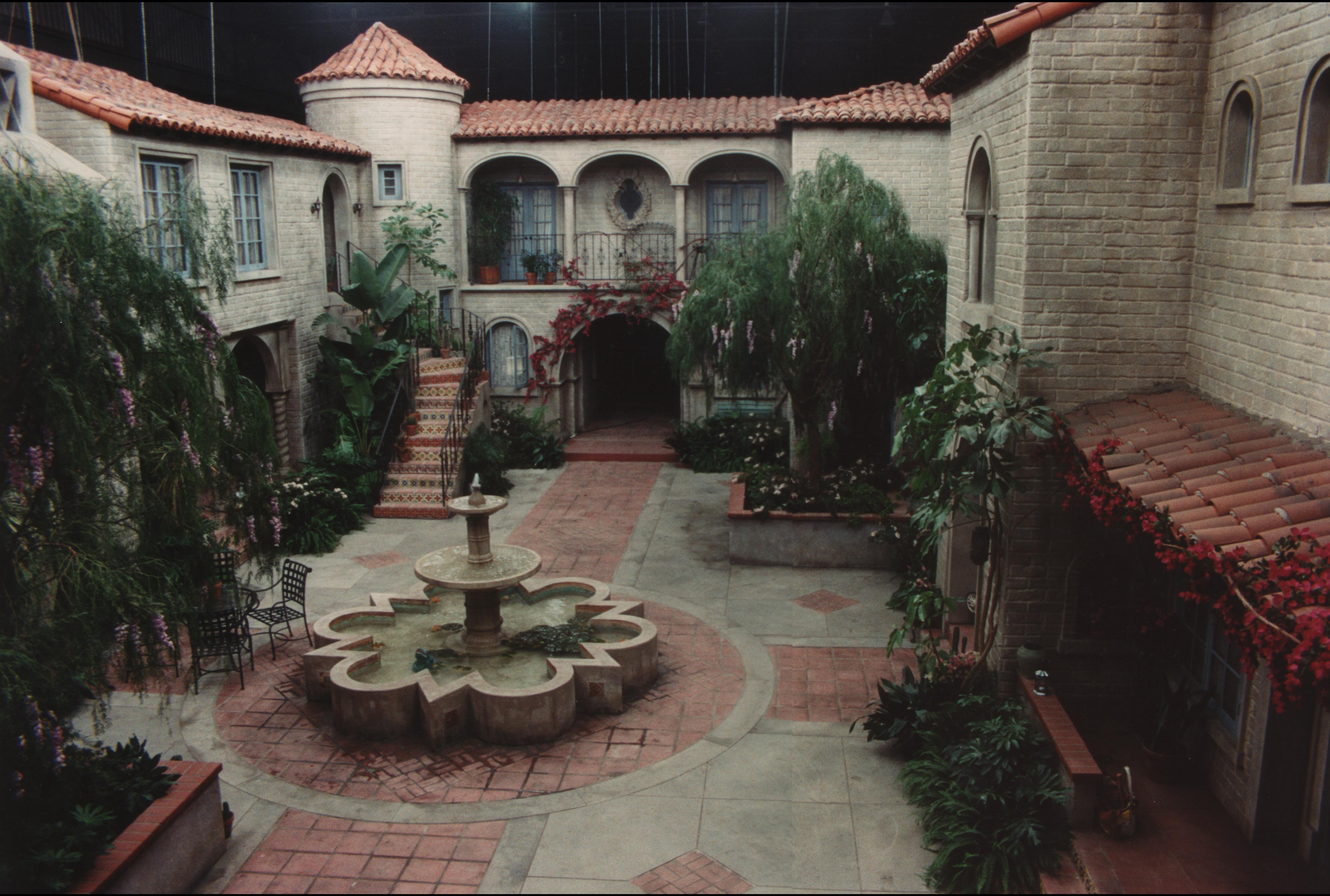 Till U Courtyard wide
