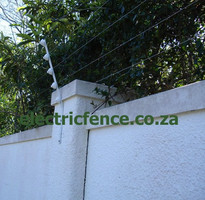 Flat bar angles 5-strand electric fencing