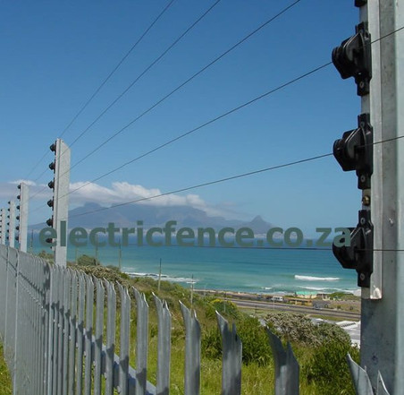 6-Strand Electric fencing on Exstended Palisade fencing posts