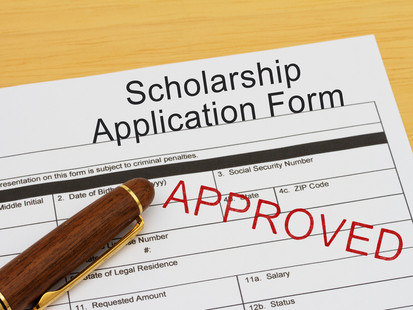4 Steps to Successfully Apply for a Scholarship
