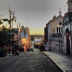 Calle Hidalgo y catedral de Cuernavaca