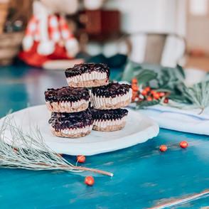 Mini Elderberry Cashew Cheese Cakes
